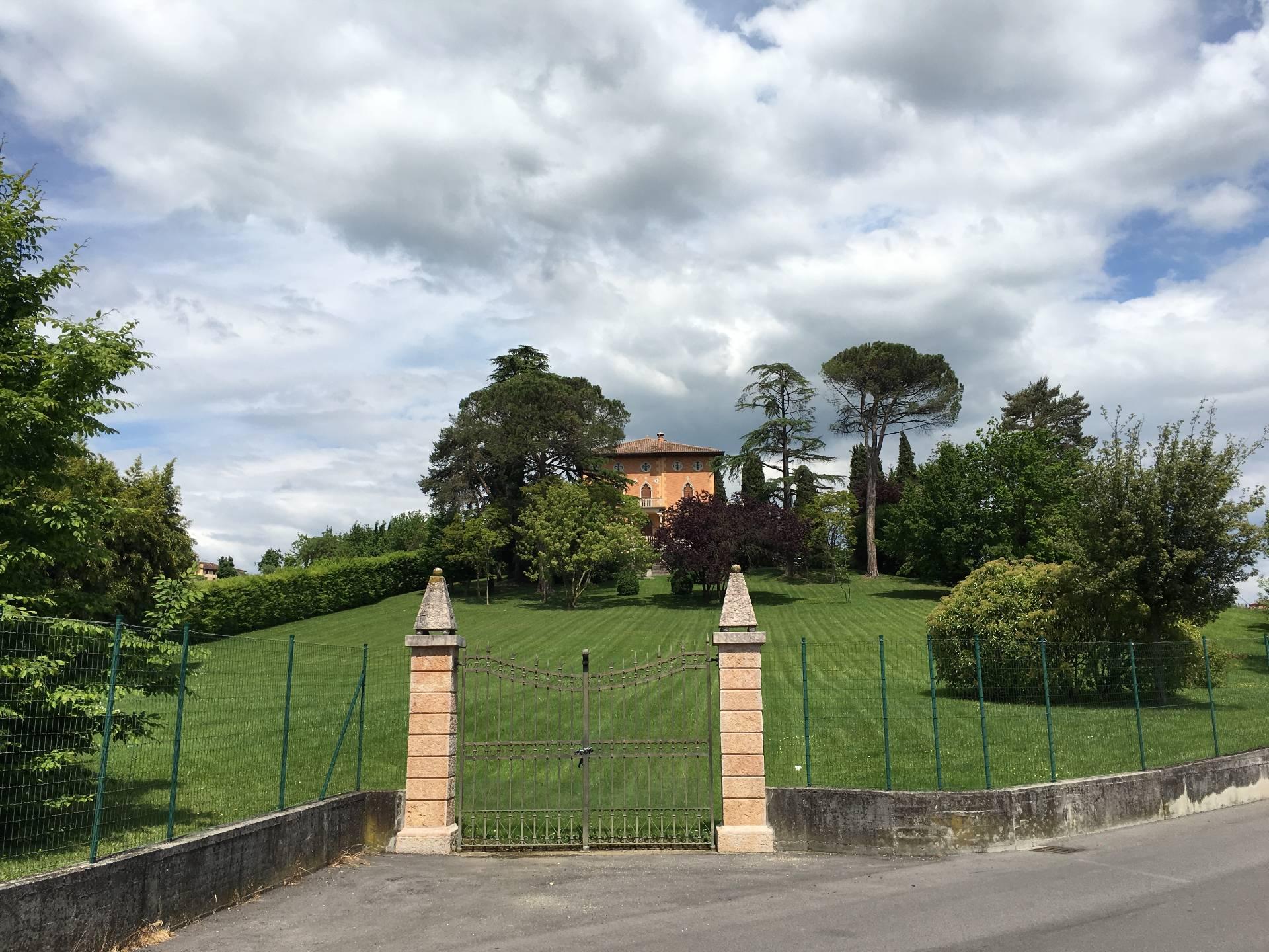 Villa in vendita a Conegliano, 20 locali, Trattative riservate   CambioCasa.it