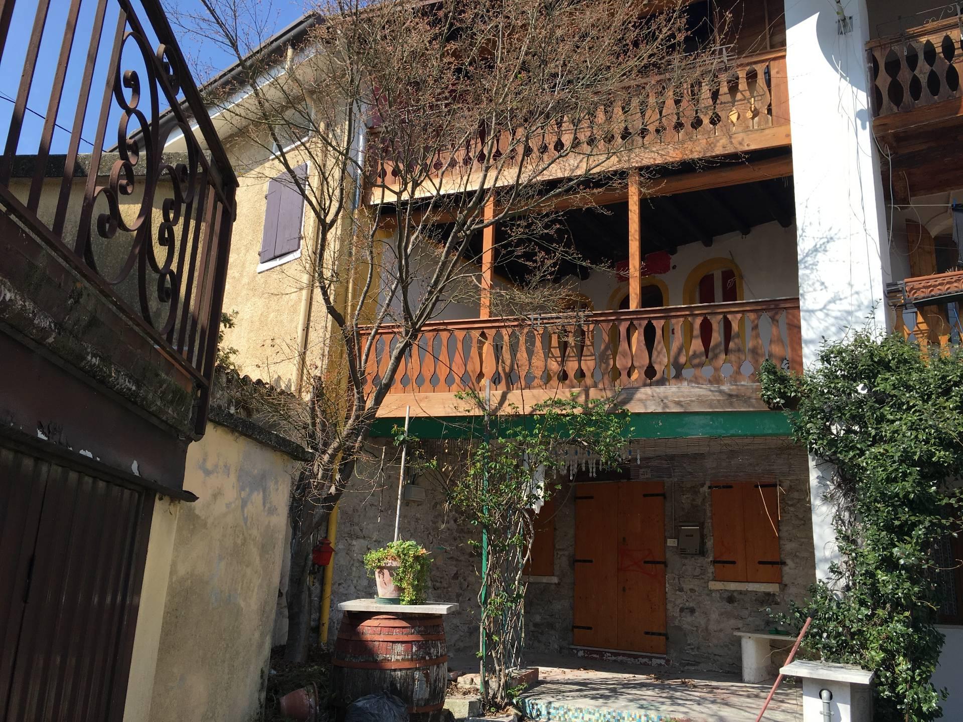 Appartamento in vendita a Pederobba, 6 locali, prezzo € 48.000 | Cambio Casa.it