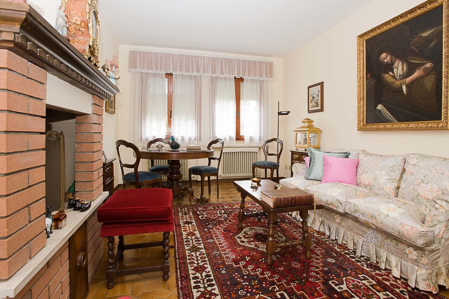 Soluzione Indipendente in vendita a Castelfranco Veneto, 10 locali, prezzo € 215.000 | Cambio Casa.it