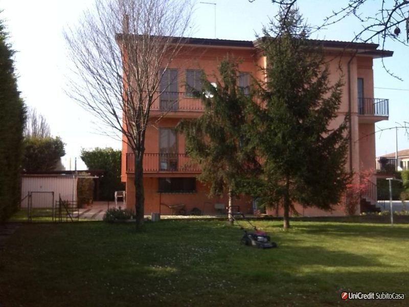 Appartamento in vendita a Silea, 5 locali, prezzo € 130.000 | Cambio Casa.it