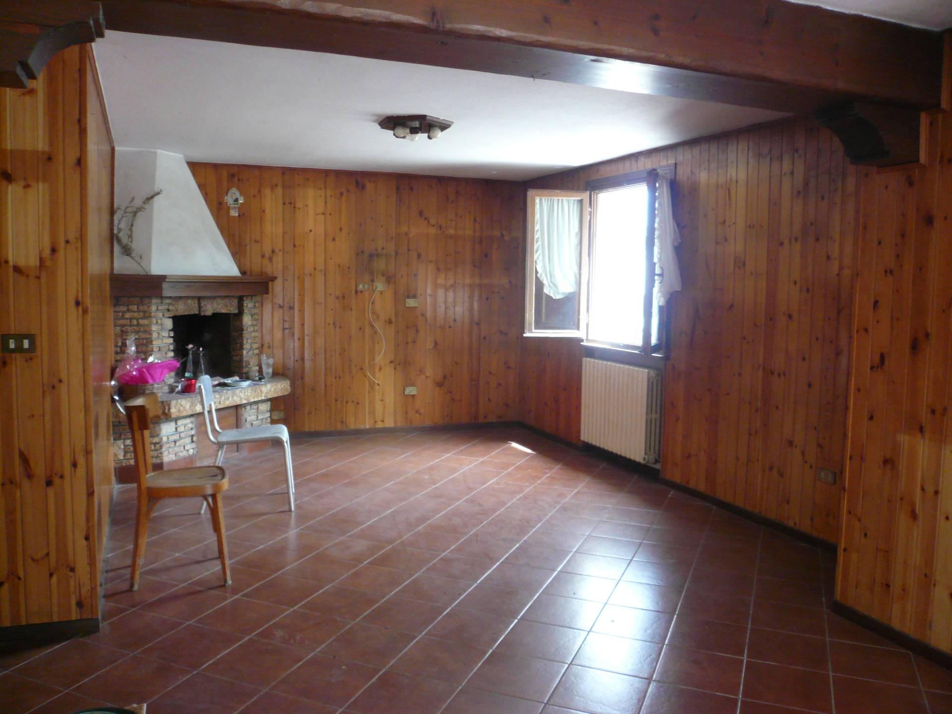 Appartamento in vendita a San Biagio di Callalta, 10 locali, zona Zona: Cavriè, prezzo € 135.000 | Cambio Casa.it