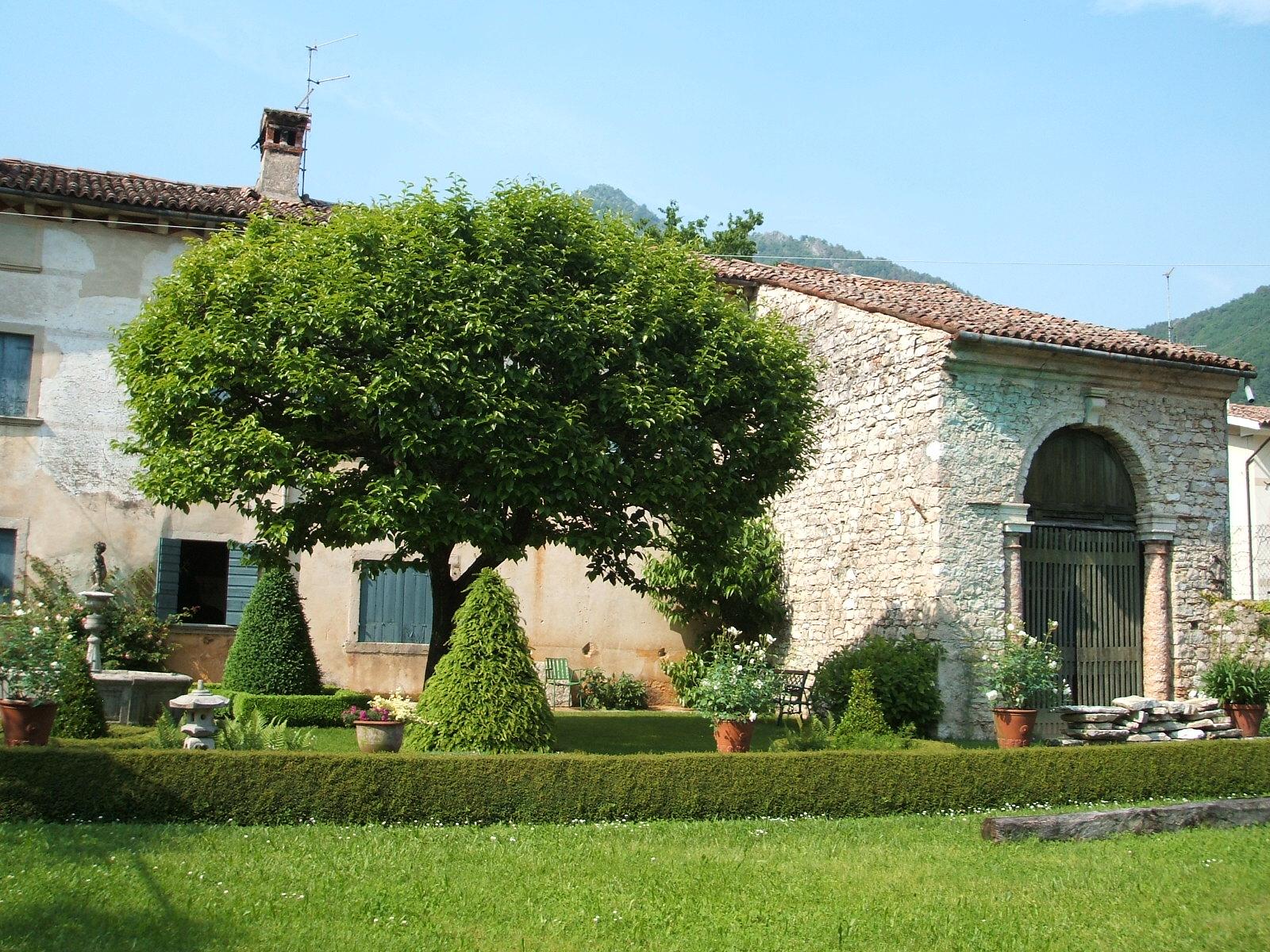 Villa in vendita a Follina, 20 locali, zona Zona: Valmareno, prezzo € 590.000 | Cambio Casa.it