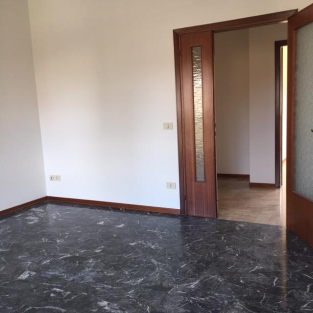 Appartamento in affitto a Ponzano Veneto, 4 locali, zona Zona: Ponzano, prezzo € 450 | Cambio Casa.it