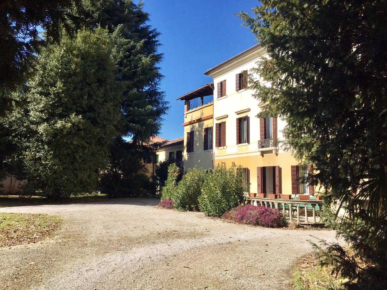 Villa in vendita a Treviso, 20 locali, zona Località: FuoriMura, prezzo € 1.250.000 | Cambio Casa.it