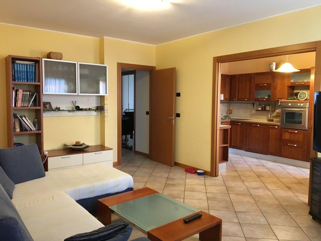 Appartamento in vendita a Giavera del Montello, 7 locali, prezzo € 140.000 | CambioCasa.it