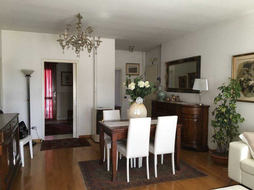 Appartamento in vendita a Villorba, 6 locali, zona Zona: Carità, prezzo € 115.000 | Cambio Casa.it