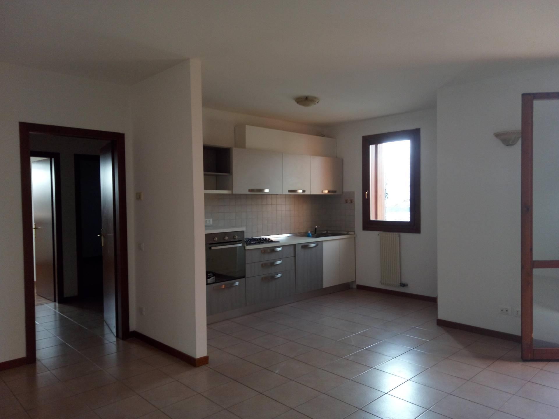 Appartamento in vendita a Silea, 5 locali, zona Località: Centro, prezzo € 139.000 | Cambio Casa.it