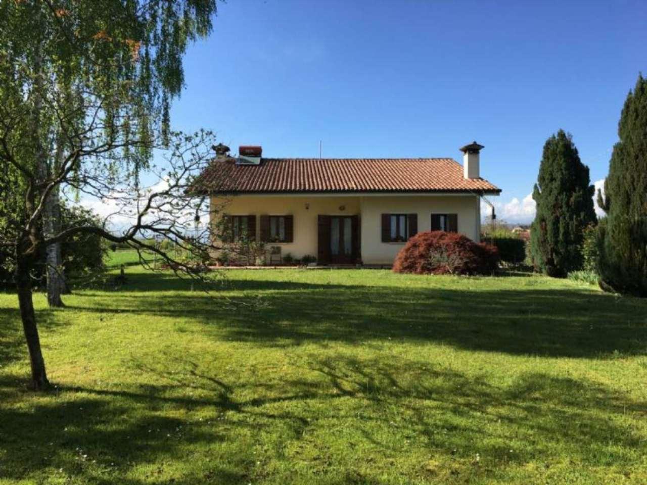 Villa in vendita a Trevignano, 5 locali, zona Zona: Signoressa, prezzo € 480.000 | Cambio Casa.it