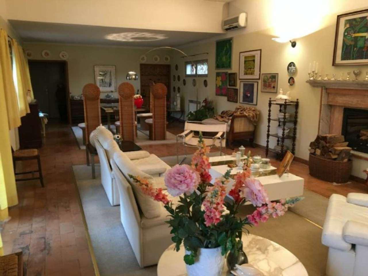 Villa in vendita a Trevignano, 16 locali, zona Zona: Signoressa, prezzo € 270.000 | Cambio Casa.it