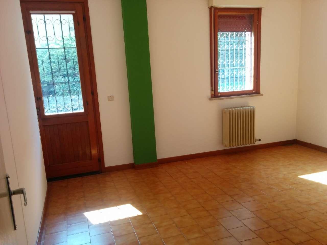 Ufficio / Studio in vendita a Conegliano, 9999 locali, zona Zona: Parè, prezzo € 58.000 | Cambio Casa.it