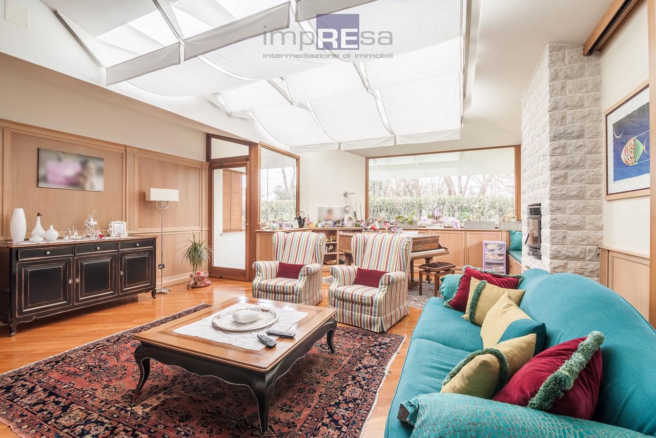 Villa in vendita a Ponzano Veneto, 5 locali, zona Zona: Merlengo, prezzo € 850.000 | Cambio Casa.it