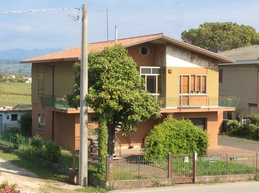 Soluzione Indipendente in vendita a Ponzano Veneto, 15 locali, zona Zona: Ponzano, prezzo € 170.000 | Cambio Casa.it