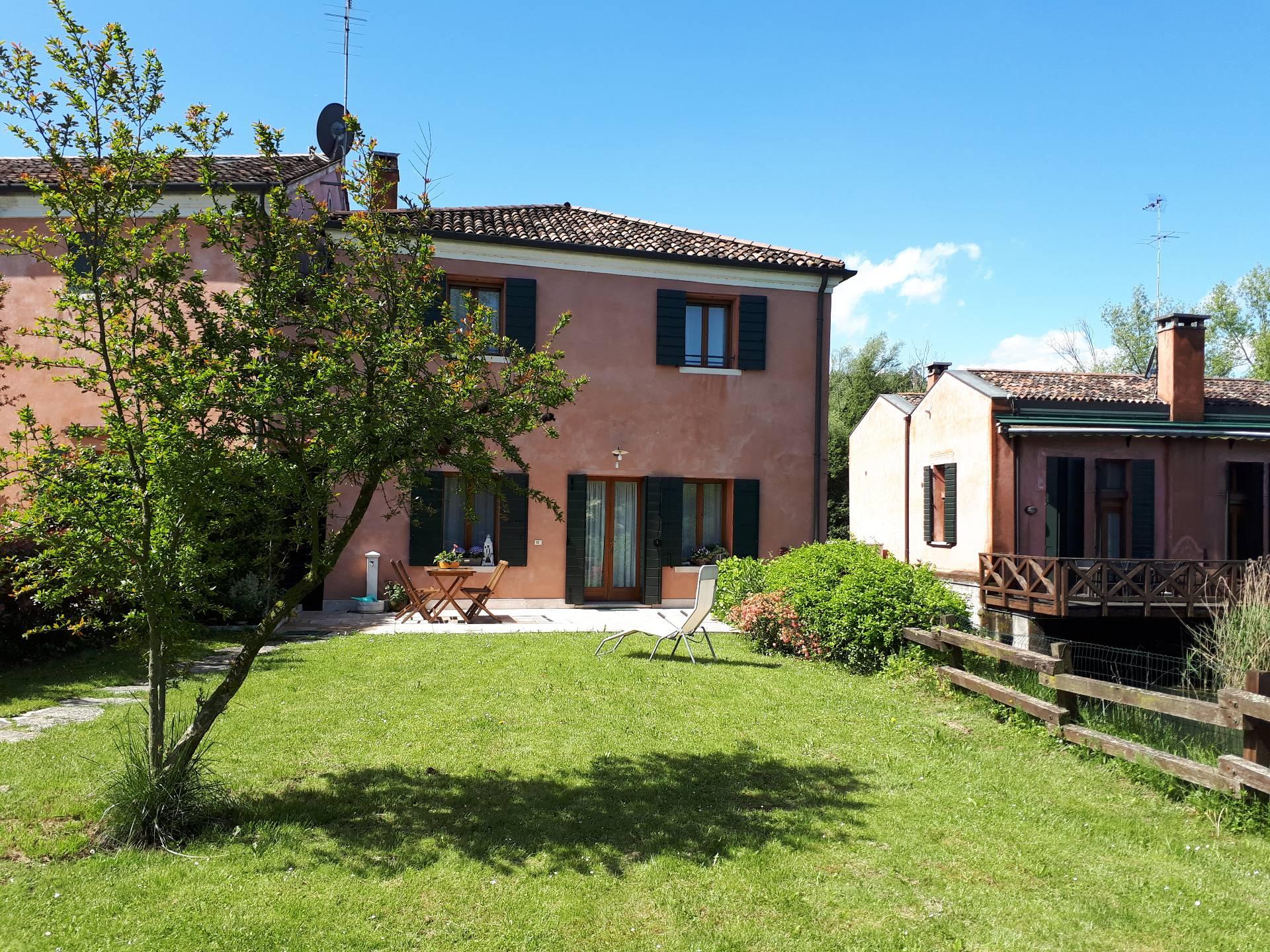 Rustico / Casale in vendita a Treviso, 8 locali, prezzo € 360.000 | Cambio Casa.it