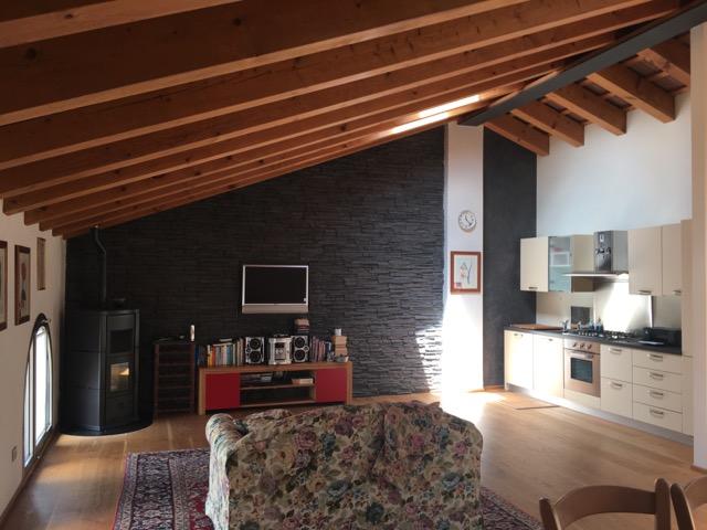 Attico / Mansarda in vendita a San Biagio di Callalta, 4 locali, zona Località: Centro, prezzo € 142.000 | Cambio Casa.it