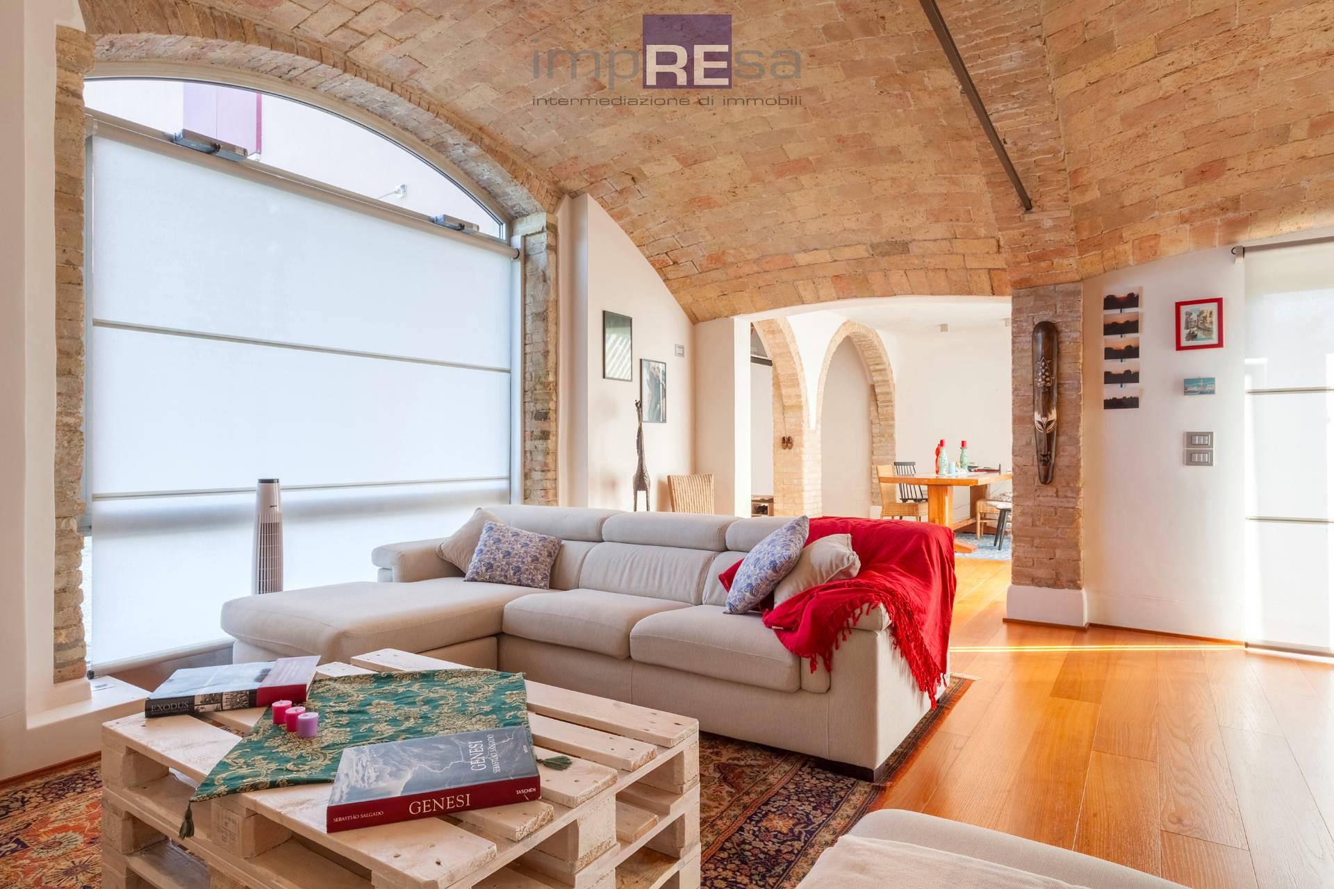 Rustico / Casale in vendita a San Biagio di Callalta, 3 locali, zona Località: Centro, prezzo € 290.000 | CambioCasa.it