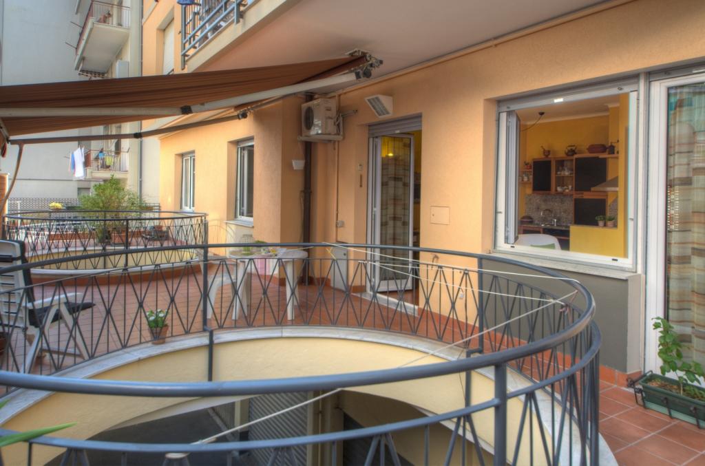 Bilocale Arenzano Via Cesare Festa 4
