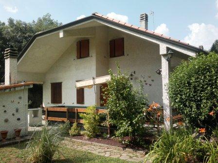 Villa in vendita a Stella, 7 locali, prezzo € 295.000 | CambioCasa.it