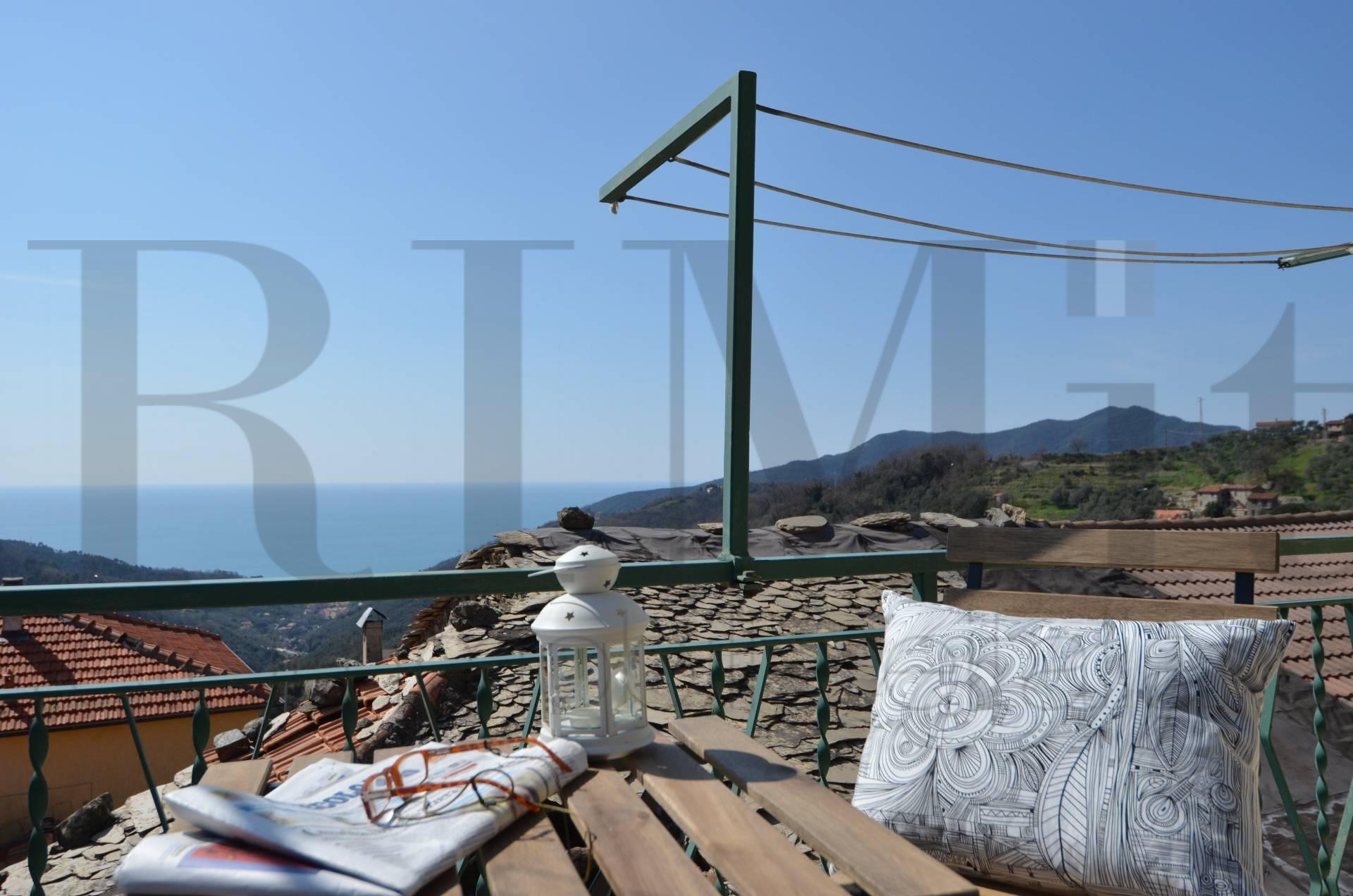Appartamento in vendita a Moneglia, 4 locali, prezzo € 180.000 | Cambio Casa.it