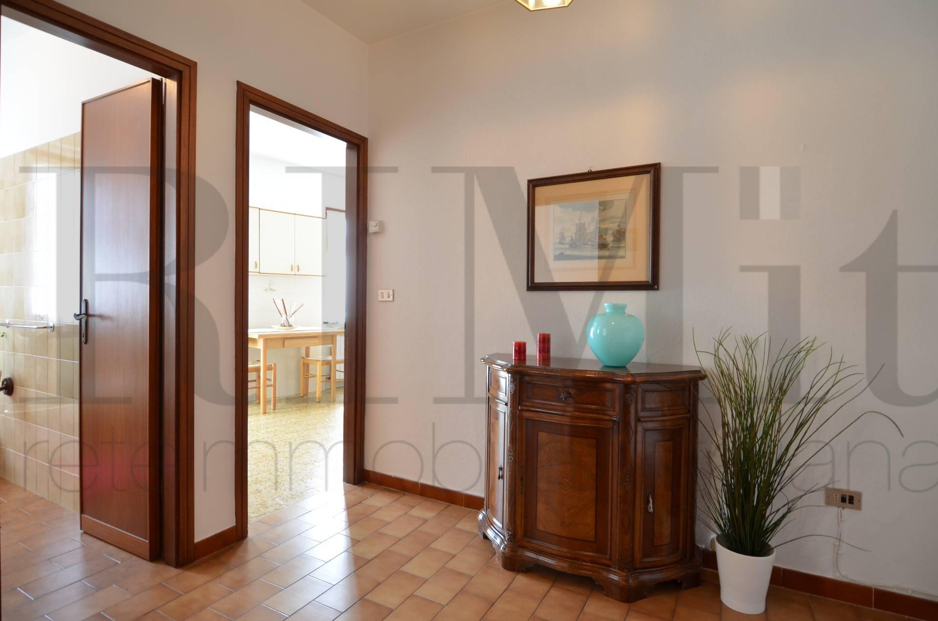 Appartamento in vendita a Moneglia, 2 locali, prezzo € 95.000 | Cambio Casa.it
