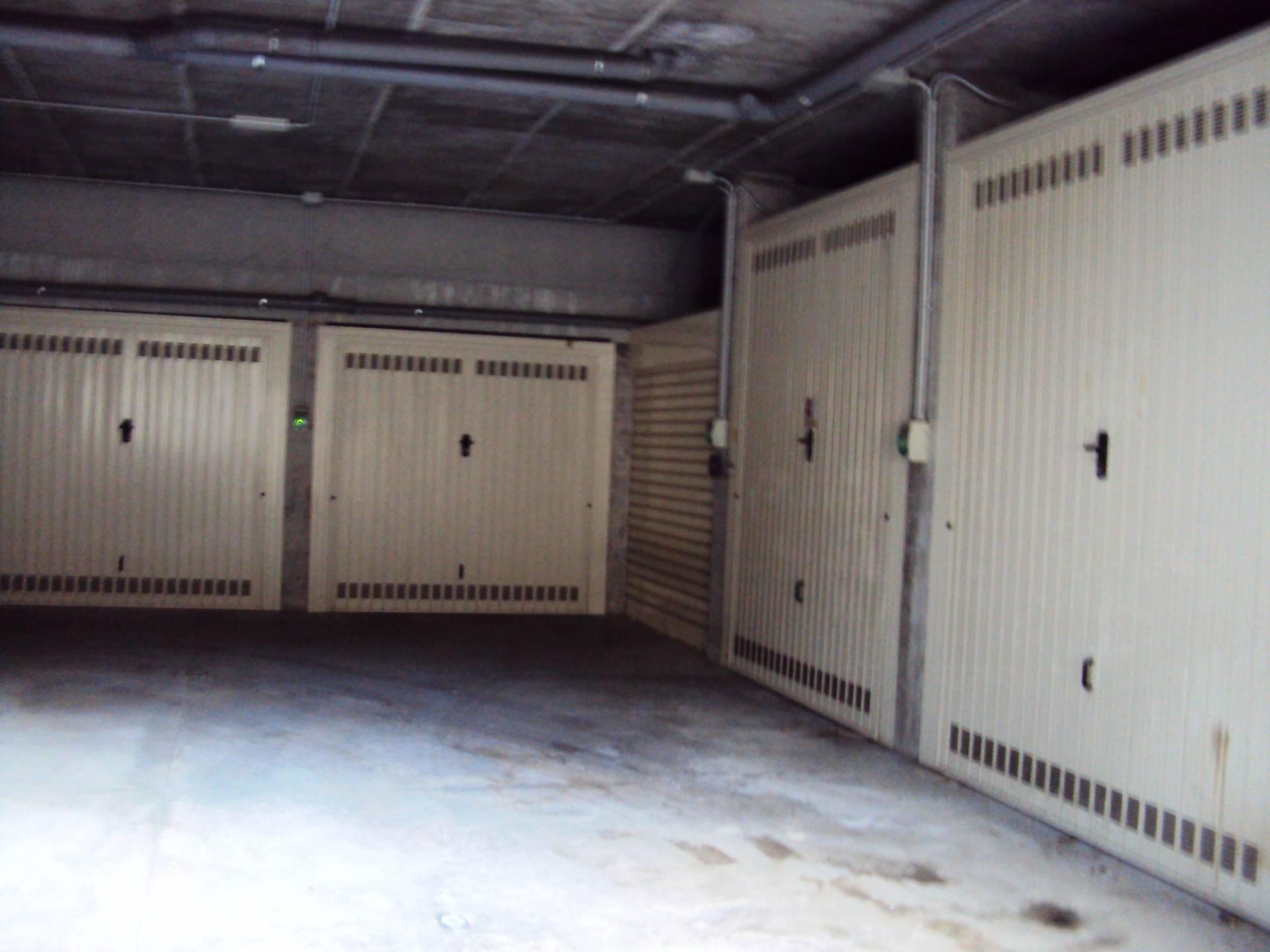 Box / Garage in Vendita a Albisola Superiore