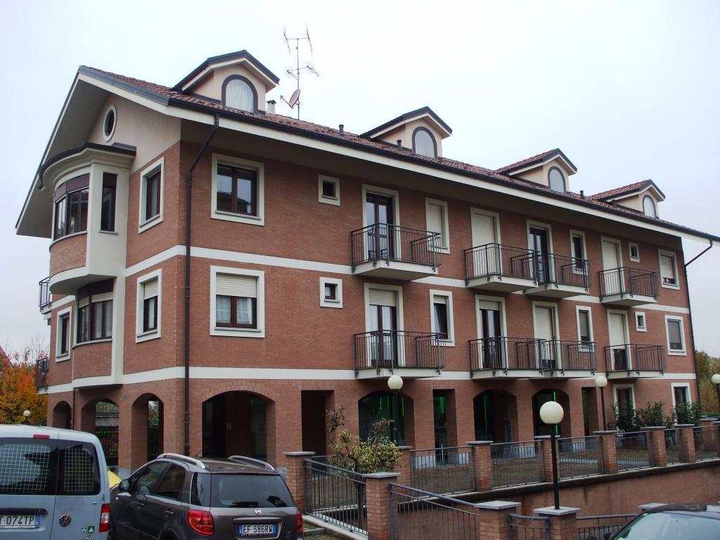 Appartamento in affitto a Castiglione Torinese, 3 locali, zona Località: Centro, prezzo € 600 | CambioCasa.it