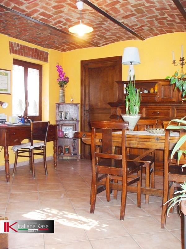 Soluzione Indipendente in vendita a Gassino Torinese, 5 locali, zona Località: GassinoTorinese, prezzo € 290.000   CambioCasa.it
