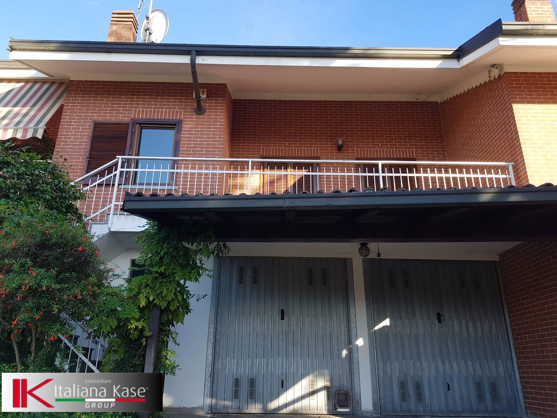 Villa a Schiera in vendita a Castiglione Torinese, 7 locali, zona Località: Centro, prezzo € 275.000 | CambioCasa.it