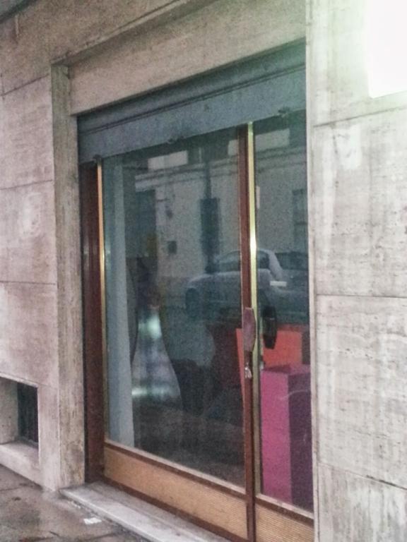 Negozio / Locale in affitto a Casale Monferrato, 2 locali, prezzo € 250 | Cambio Casa.it