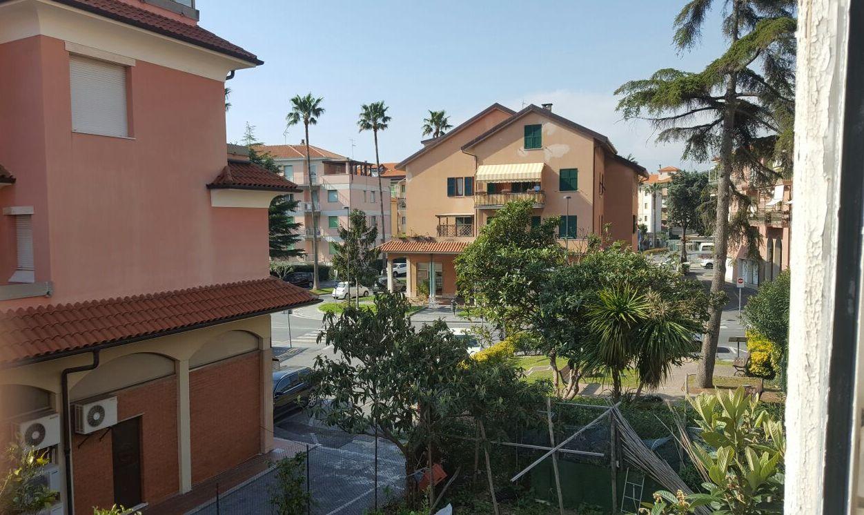 Appartamento in affitto a Borgio Verezzi, 4 locali, prezzo € 700 | CambioCasa.it
