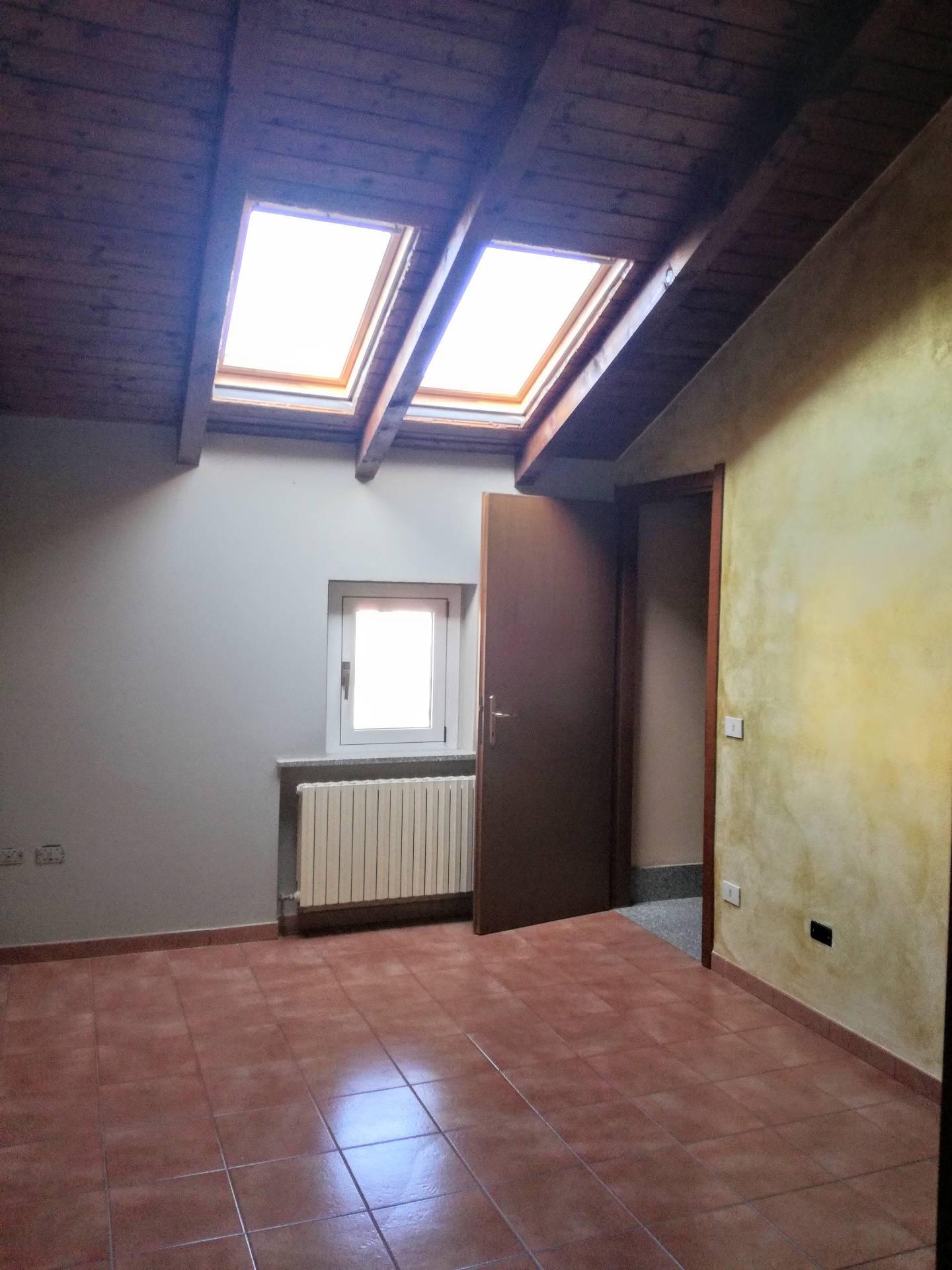 Appartamento in affitto a Frassineto Po, 4 locali, prezzo € 370   CambioCasa.it