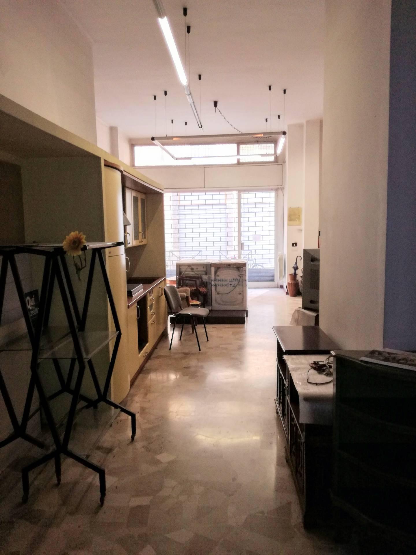 Attività / Licenza in affitto a Casale Monferrato, 9999 locali, prezzo € 700 | CambioCasa.it