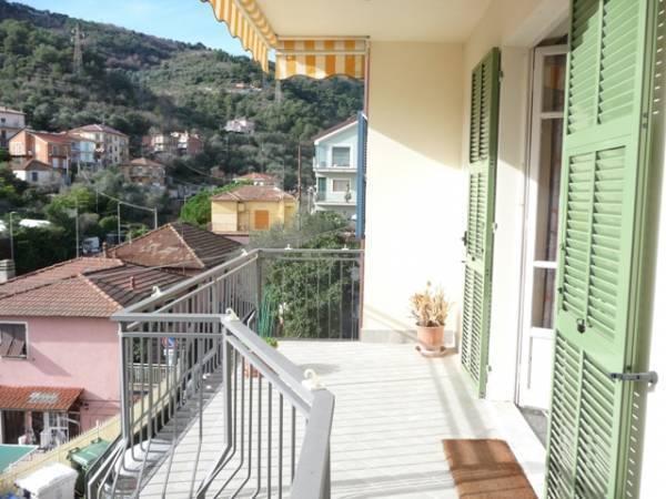 Appartamento in vendita a Alassio, 5 locali, prezzo € 300.000 | Cambio Casa.it