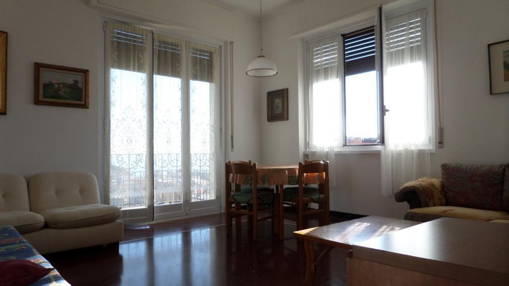 Appartamento in affitto a Arenzano, 5 locali, zona Località: Cantarena, prezzo € 1.000   Cambio Casa.it