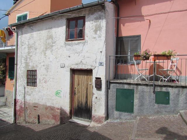 Soluzione Indipendente in vendita a Alassio, 3 locali, zona Zona: Solva, prezzo € 150.000 | Cambio Casa.it