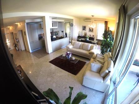 Appartamento in vendita a Arenzano, 7 locali, zona Località: PinetadiArenzano, prezzo € 850.000 | Cambio Casa.it