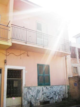 Villa in vendita a Brusciano, 4 locali, prezzo € 135.000 | Cambio Casa.it