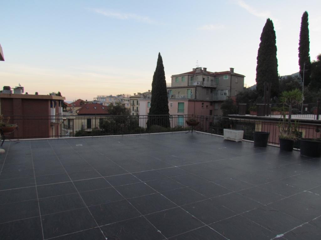 Appartamento in vendita a Alassio, 5 locali, Trattative riservate | Cambio Casa.it