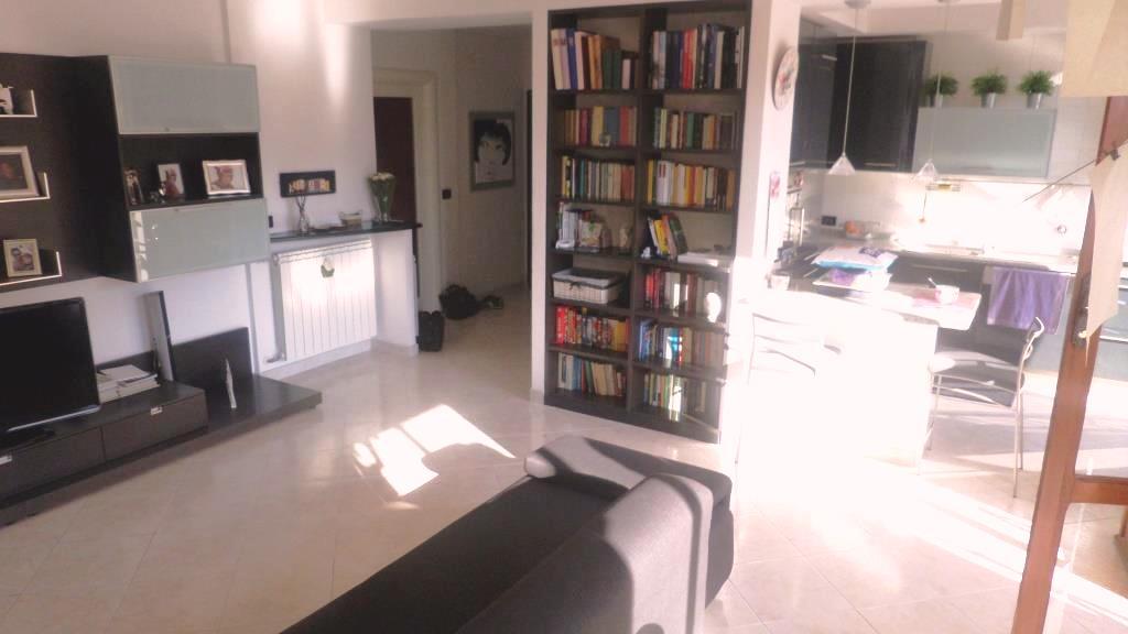 Appartamento in vendita a Arenzano, 5 locali, zona Località: Monta, prezzo € 350.000 | Cambio Casa.it