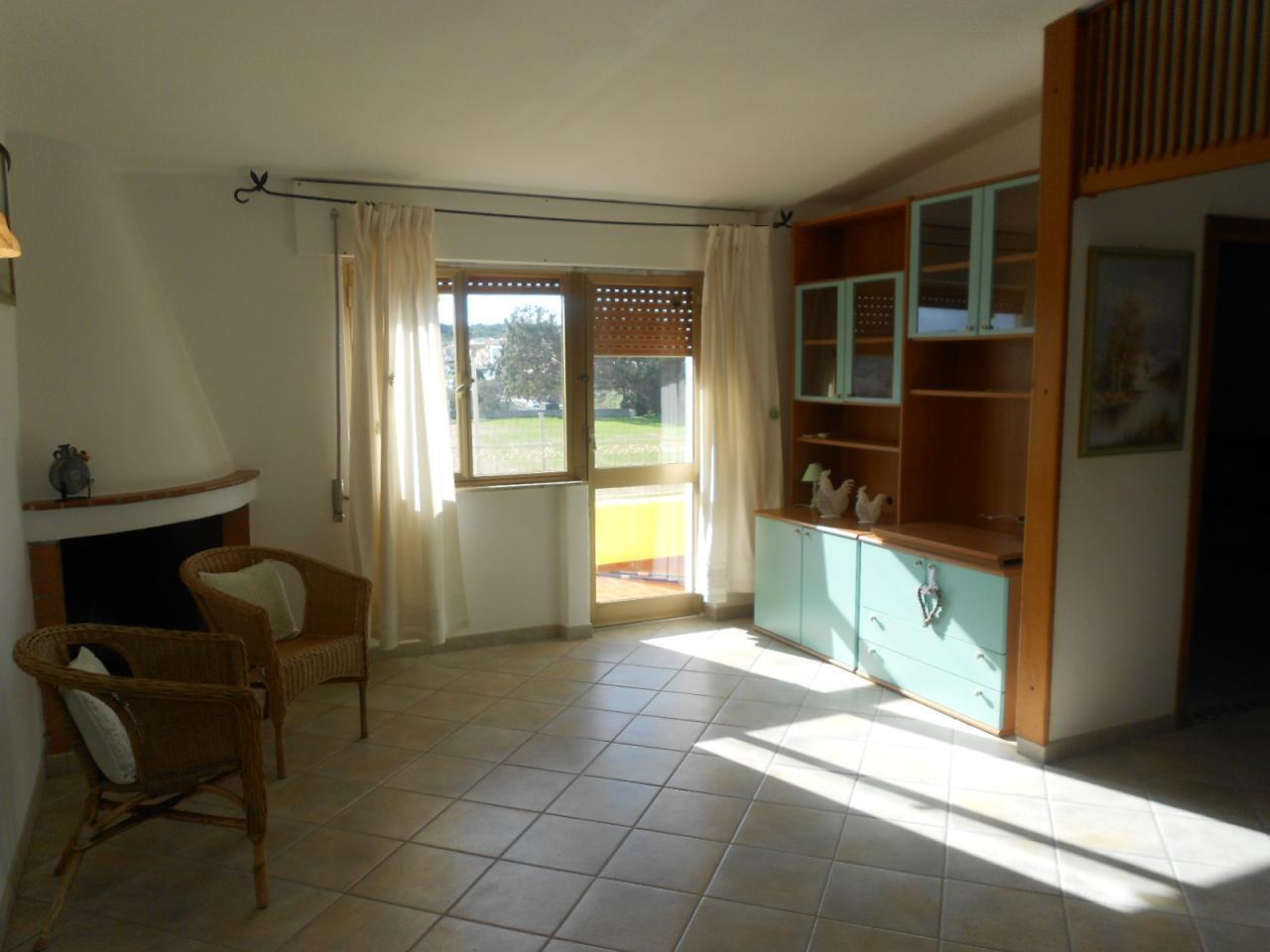 Appartamento in vendita a Santa Teresa Gallura, 3 locali, prezzo € 80.000 | Cambio Casa.it