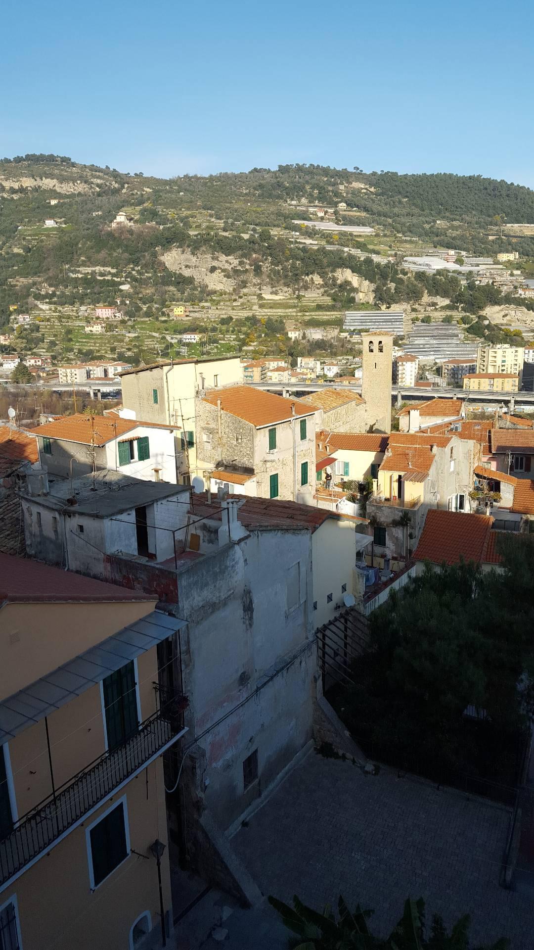 Bilocale Ventimiglia Via Alle Mura 3