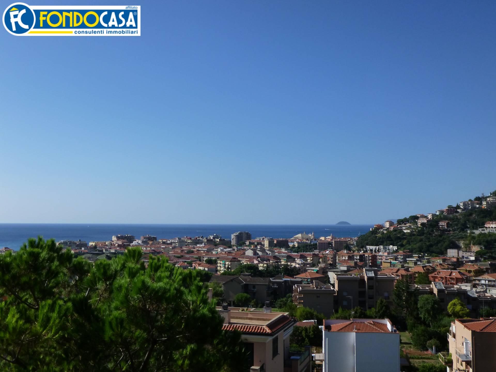 Bilocale Pietra Ligure Zona Via Morelli 3