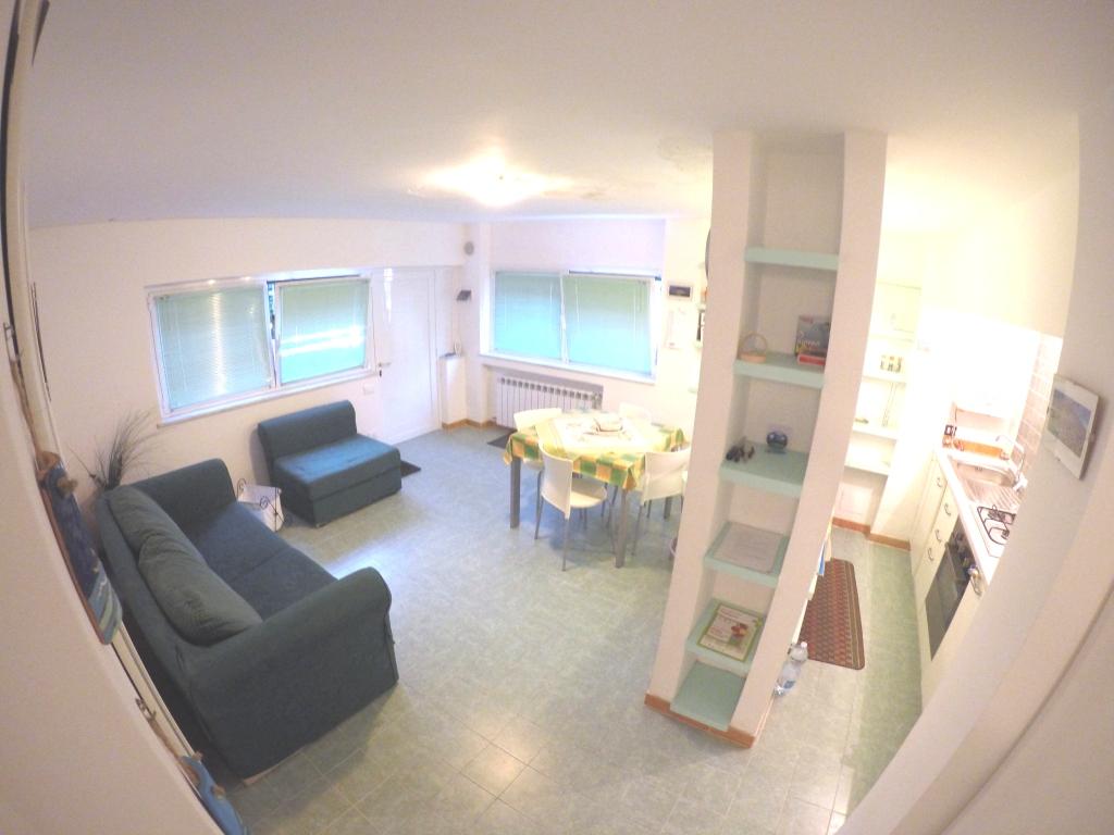 Appartamento in vendita a Arenzano, 2 locali, zona Località: PinetadiArenzano, prezzo € 129.000 | Cambio Casa.it