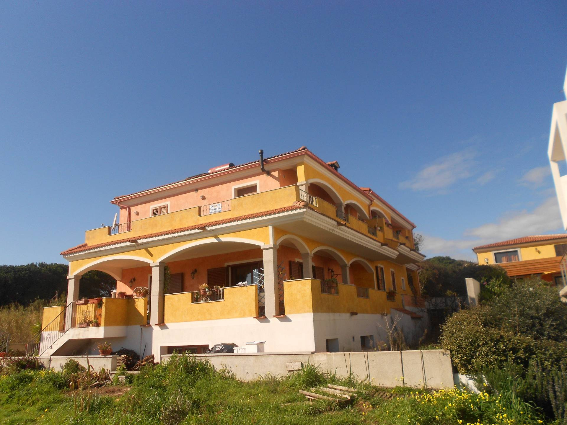 Appartamento in vendita a Santa Teresa Gallura, 3 locali, prezzo € 85.000 | Cambio Casa.it
