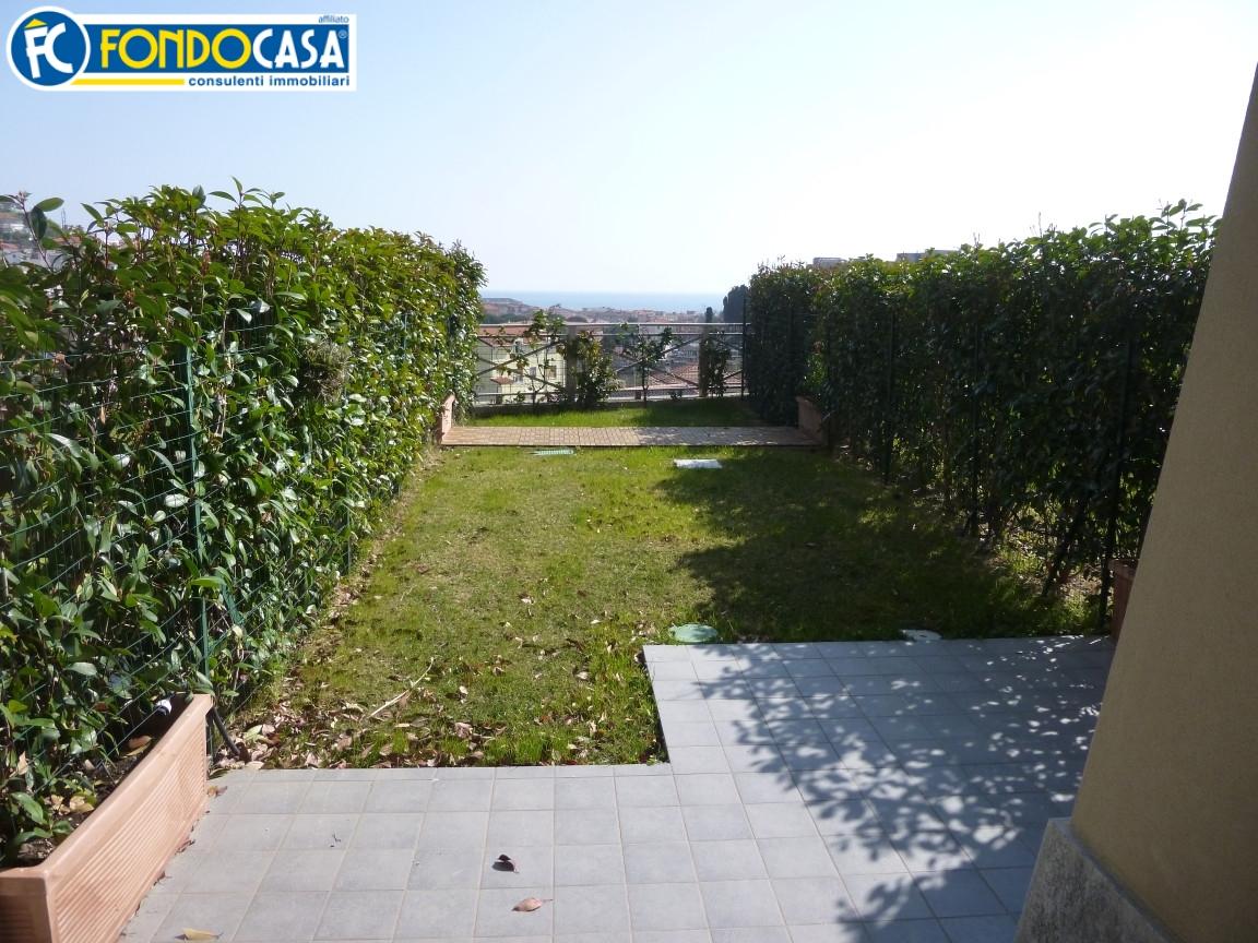 Bilocale Pietra Ligure Viale Riviera 1