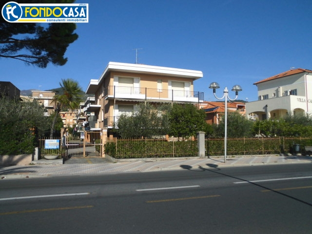 Bilocale Pietra Ligure Via Aurelia 2