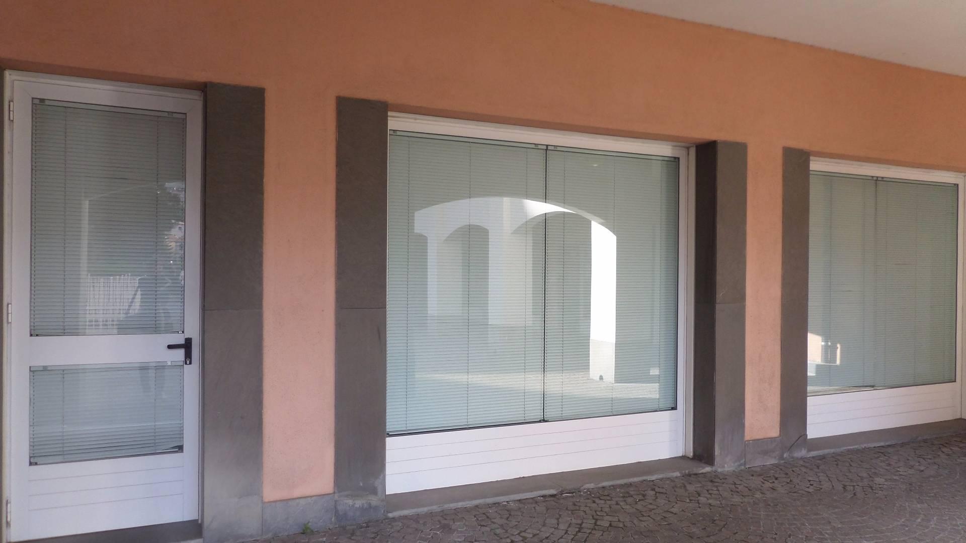 Negozio / Locale in affitto a Arenzano, 9999 locali, zona Località: Stazione, prezzo € 1.000 | Cambio Casa.it