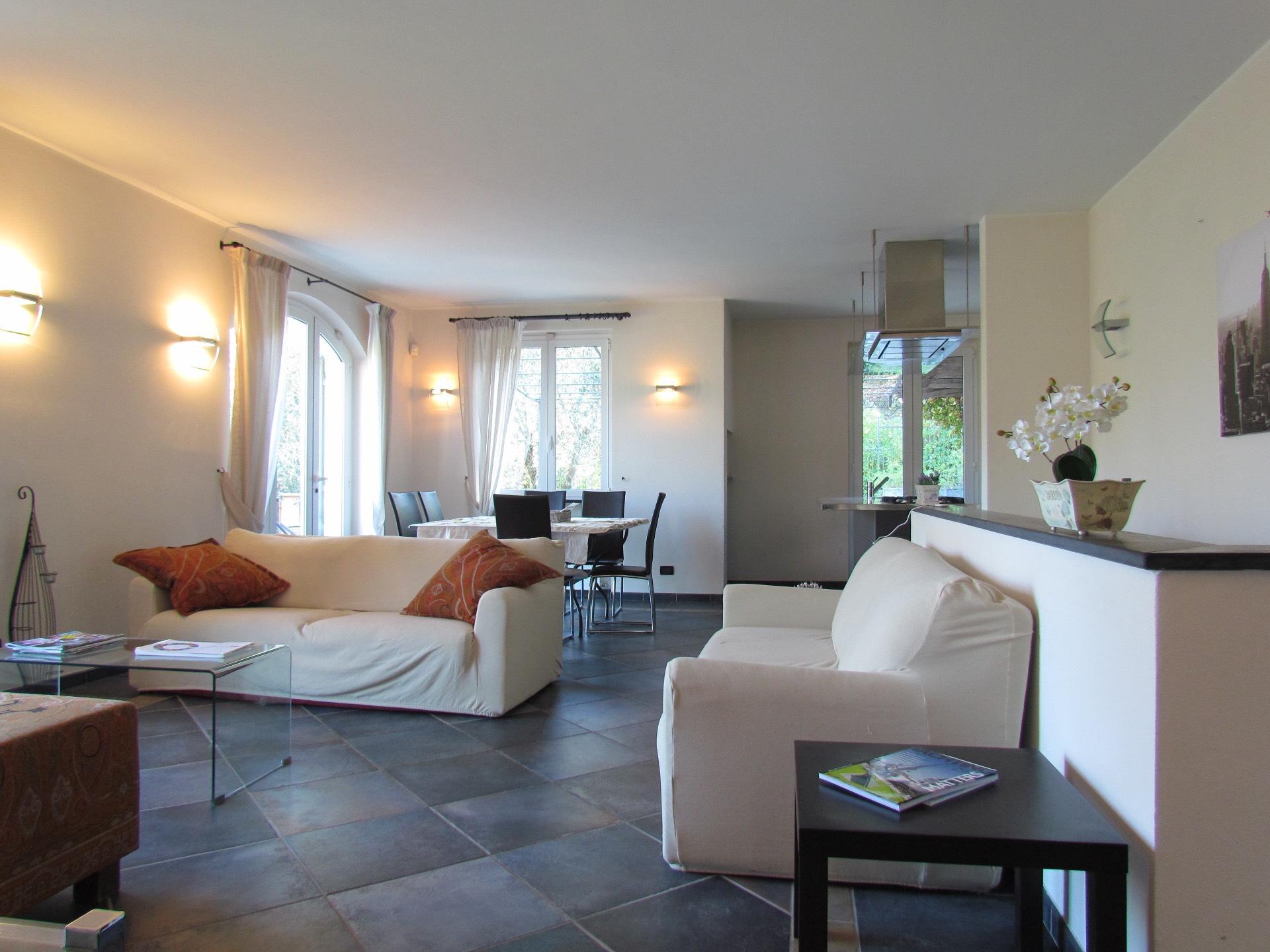 Villa in vendita a Alassio, 9 locali, Trattative riservate | Cambio Casa.it