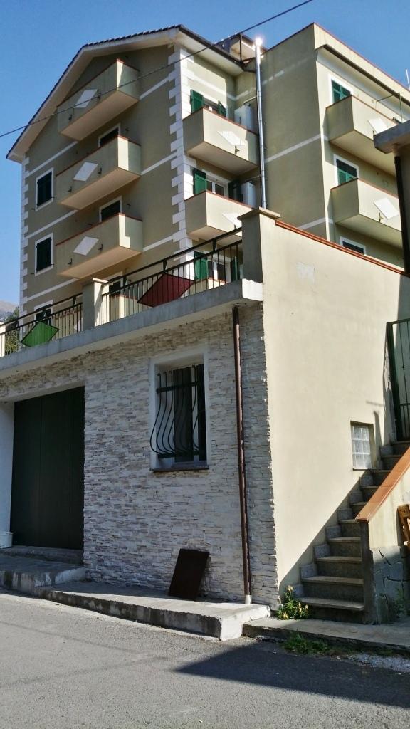 Bilocale Arenzano Via Val Lerone 3
