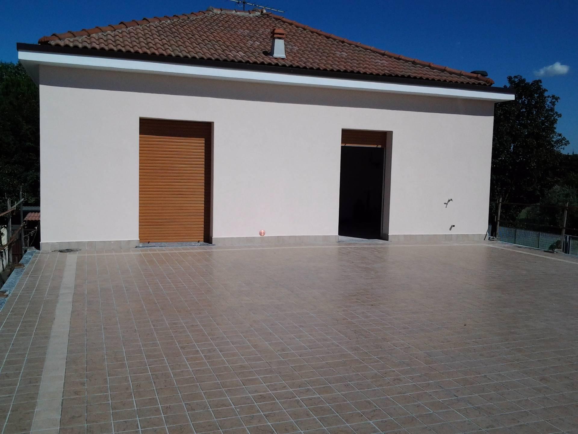 Villa in vendita a Limbiate, 3 locali, prezzo € 280.000 | Cambio Casa.it