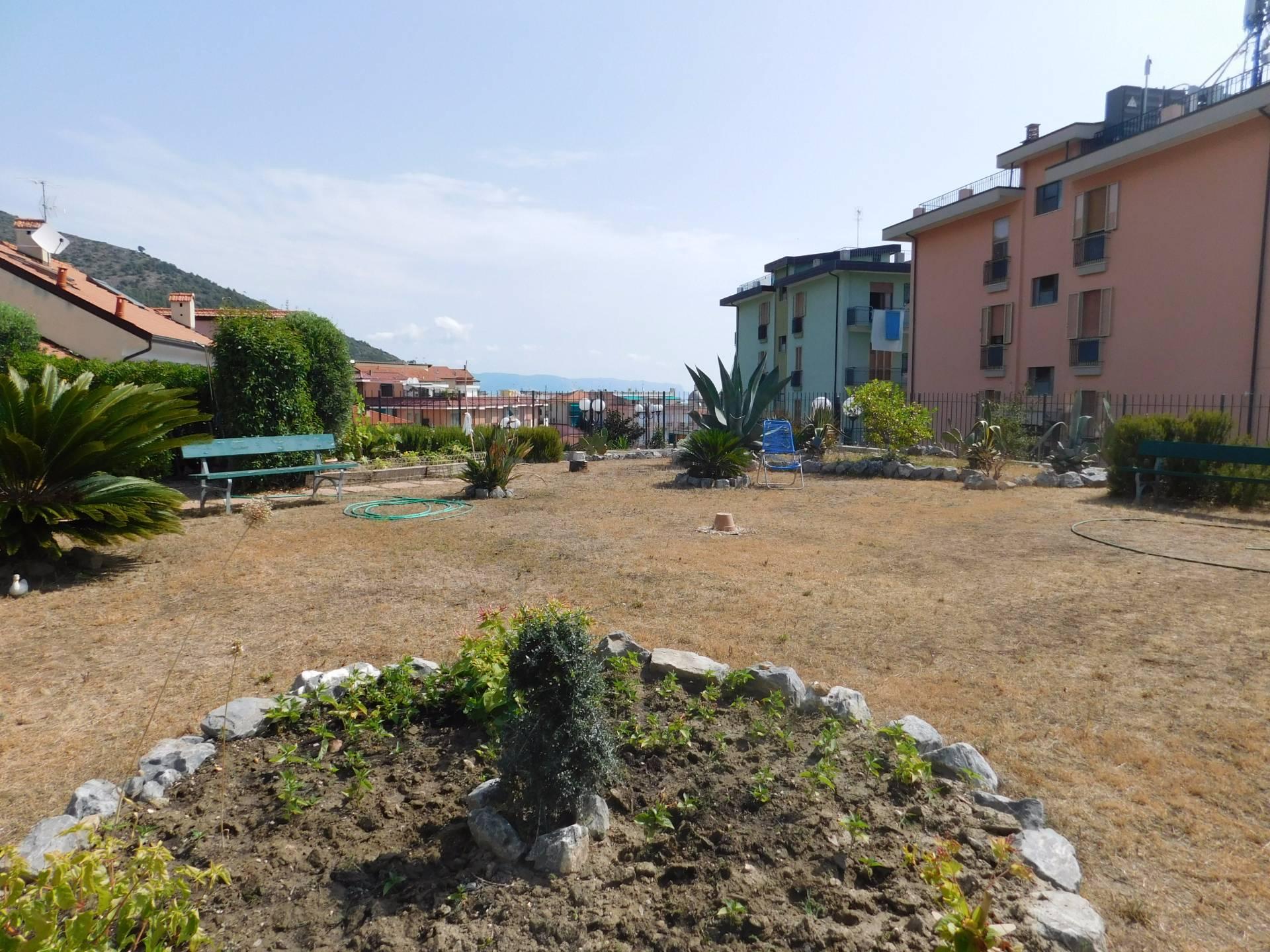 Bilocale Ceriale Via Belvedere 4